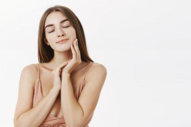プロテーゼを用いた隆鼻術のメリット・デメリットを解説|セレクトクリニック